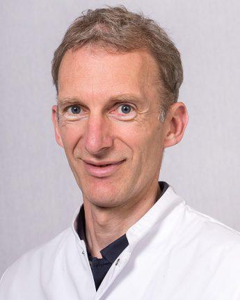 Foto: Dhr. drs E.C.A.A. van Oosterhout